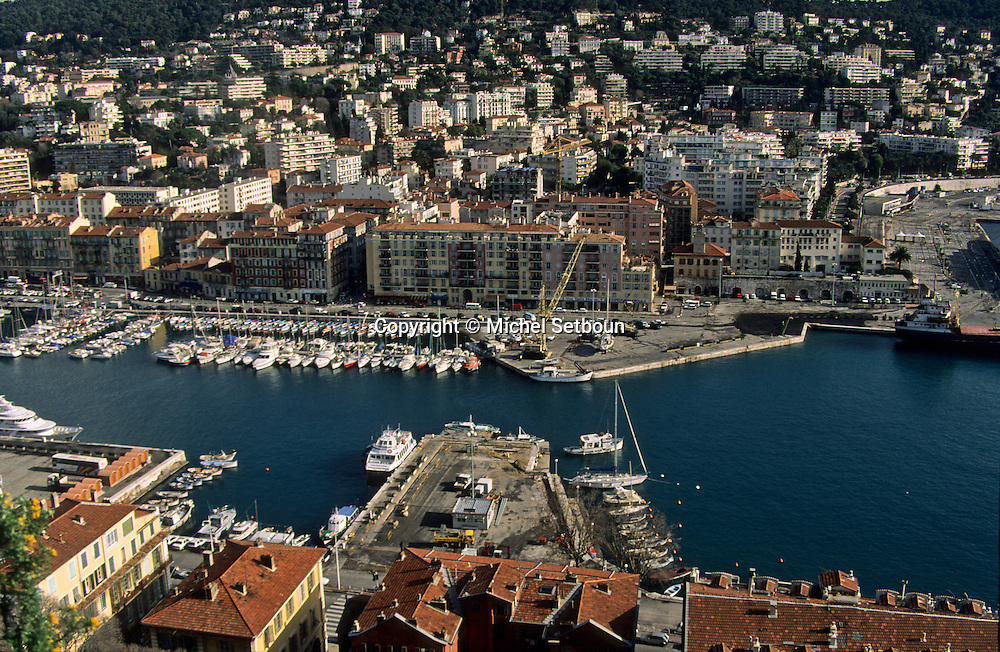France. Nice. the harbour      / le port  Nice  france   / R00115/    L1737  /  P102863