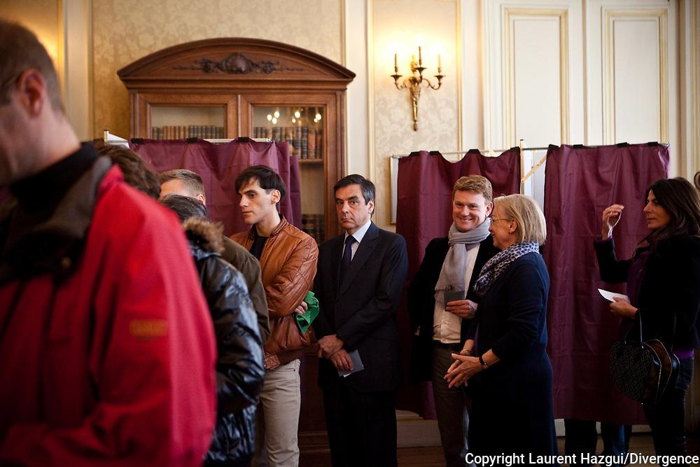 22042012. Paris. Mairie du 7ème arrondissement. Vote de François Fillon au 1er tour de l'élection présidentielle 2012
