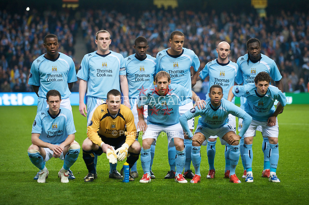 MANCHESTER, ENGLAND - Thursday, April 16, 2009: Manchester City's players line-up for a team group photo before the UEFA Cup Quarter-Final 2nd Leg match against Hamurger SV at the City of Manchester Stadium. Back row L-R: Felipe Caicedo, captain Richard Dunne, Micah Richards, Vincent Kompany, Stephen Ireland, Nedum Onuoha. Front row L-R: Wayne Bridge, goalkeeper Shay Given, Elano Blumer, Robinho, Pablo Zabaleta. (Pic by David Rawcliffe/Propaganda)