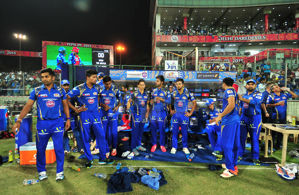 Mumbai Indians players after match 21 of the Pepsi IPL 2015 (Indian Premier League) between The Delhi Daredevils and The Mumbai Indians held at the Ferozeshah Kotla stadium in Delhi, India on the 23rd April 2015.<br /> <br /> Photo by:  Arjun Panwar / SPORTZPICS / IPL