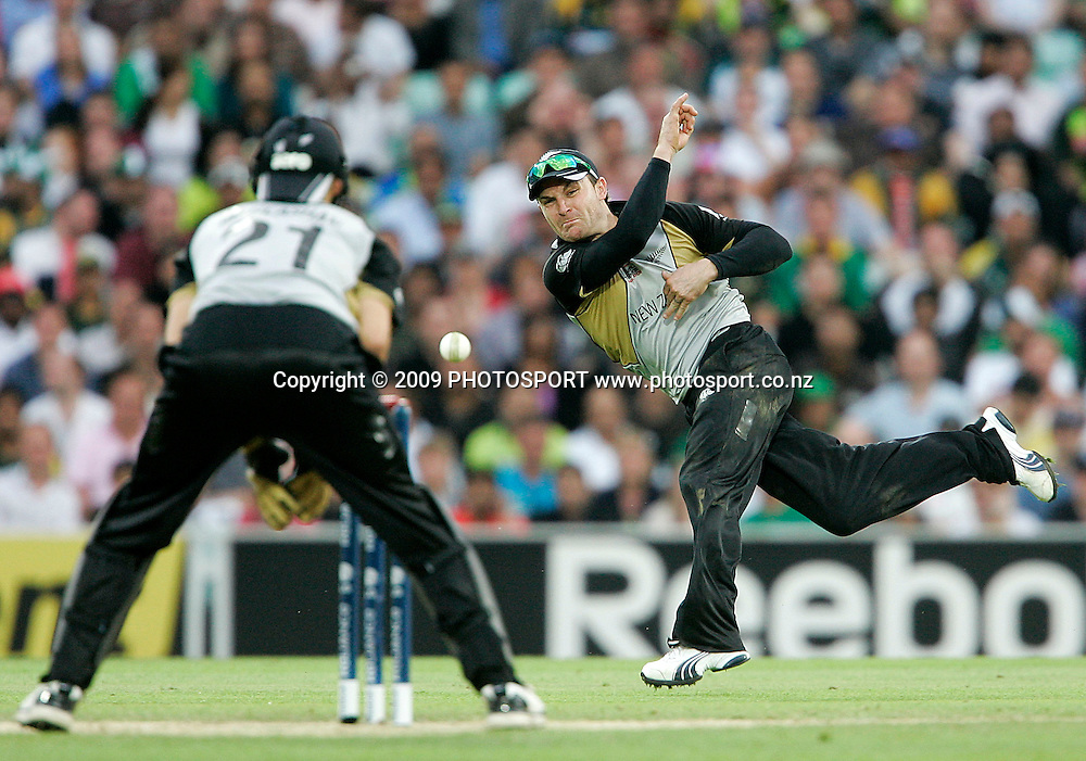 New Zealand's Brendon MCullum completes a run out during the ICC World Twenty20 Cup match between the New Zealand Black Caps and Pakistan at the Oval, London, England, 13 June, 2009. Photo: PHOTOSPORT