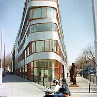 Nederland. Amsterdam. 9 april 2003..Mauritskade 68. Wonen. Exterieur. Architectuur.