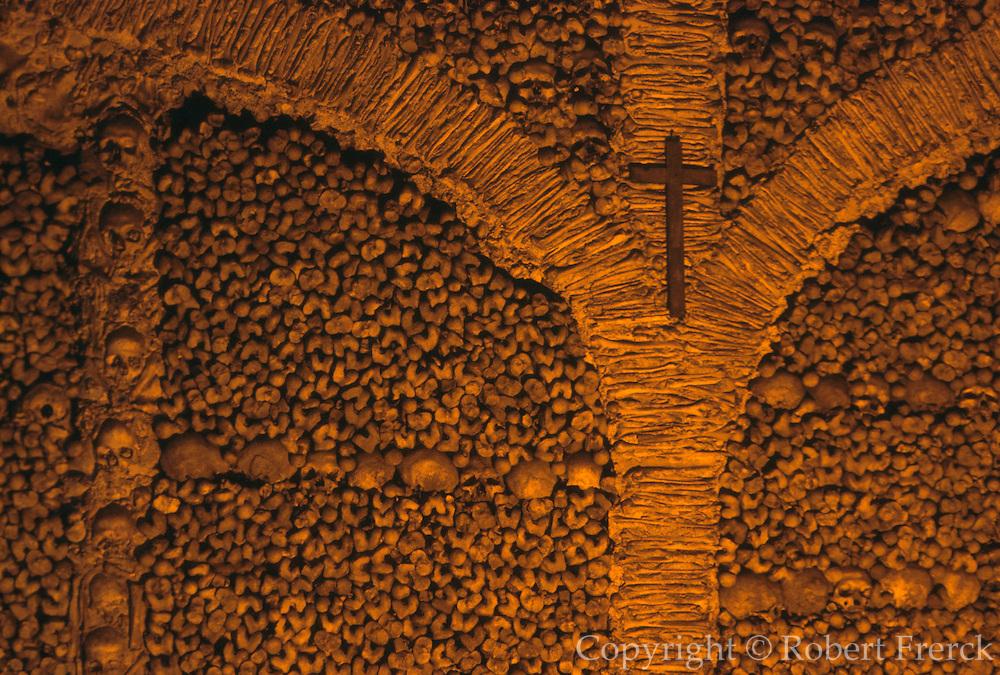 PORTUGAL, ALENTEJO AREA Evora, San Francisco church, Capela dos Ossos (Chapel of Bones) walls covered with bones of 5000 monks