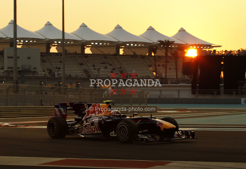 Motorsports / Formula 1: World Championship 2010, GP of Abu Dhabi, 06 Mark Webber (AUS, Red Bull Racing),