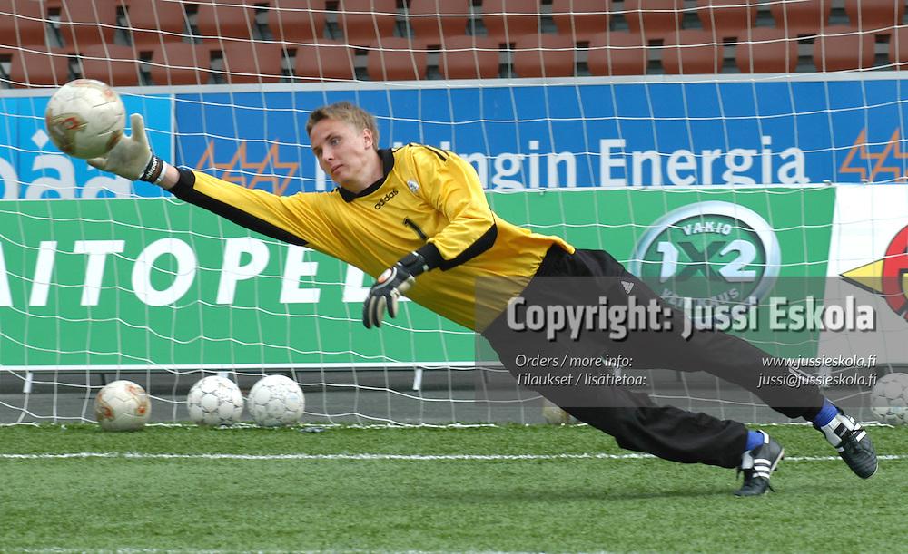 Turo Simolin.&amp;#xA;U17-maajoukkue 2003.&amp;#xA;Photo: Jussi Eskola<br />