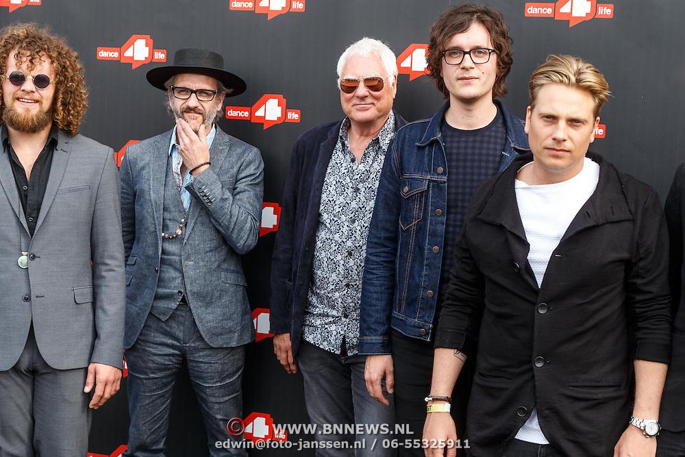 NLD/Amsterdam/20150626 - Dance4life's Funky Fundraiser 2015, Direct enkele leden van de Golden Earring oa Cesar Zuiderwijk