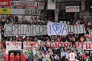 DESCRIZIONE : Varese Lega A 2010-11 Cimberio Varese Pepsi Caserta<br /> GIOCATORE : Tifosi Curva Varese Striscione<br /> SQUADRA : Cimberio Varese<br /> EVENTO : Campionato Lega A 2010-2011<br /> GARA : Cimberio Varese Pepsi Caserta<br /> DATA : 03/04/2011<br /> CATEGORIA : Ritratto Curiosita<br /> SPORT : Pallacanestro<br /> AUTORE : Agenzia Ciamillo-Castoria/A.Dealberto<br /> Galleria : Lega Basket A 2010-2011<br /> Fotonotizia : Varese Lega A 2010-11 Cimberio Varese Pepsi Caserta<br /> Predefinita :