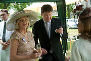 LIZ BREWER; GEORGE PISKOVA, Lunch part hosted by Liz Brewer and Mrs. George Piskova in No; 1 car-park. . Royal Ascot. Tuesday. 14 June 2011. <br /> <br />  , -DO NOT ARCHIVE-© Copyright Photograph by Dafydd Jones. 248 Clapham Rd. London SW9 0PZ. Tel 0207 820 0771. www.dafjones.com.
