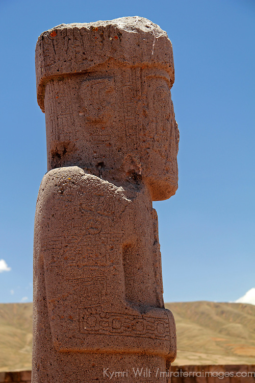 South America, Bolivia, Tiwanaku. Ponce Monolith at Pre-Columbian archaeological site of Tiwanaku, a UNESCO World Heritage Site.