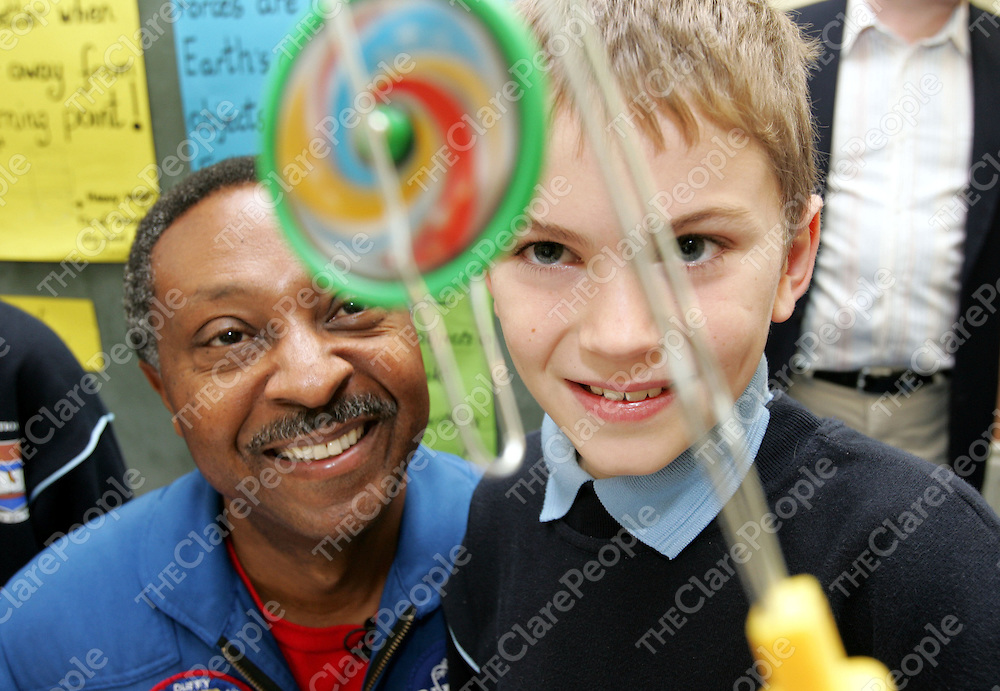Nasa Astronaut Capt. Winston Scott, explains the laws of physics to 11 year old Tommy Meskell , during his visit to Barefield National School, Ennis, Co. Clare to launch the NASA-FAS Science ChallengePic Arthur Ellis/Press 22.