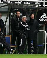Photo: Andrew Unwin.<br /> Newcastle United v Charlton Athletic. The Barclays Premiership. 22/02/2006.<br /> Newcastle's Alan Shearer (L), Terry McDermott (C) and Glenn Roeder (R).