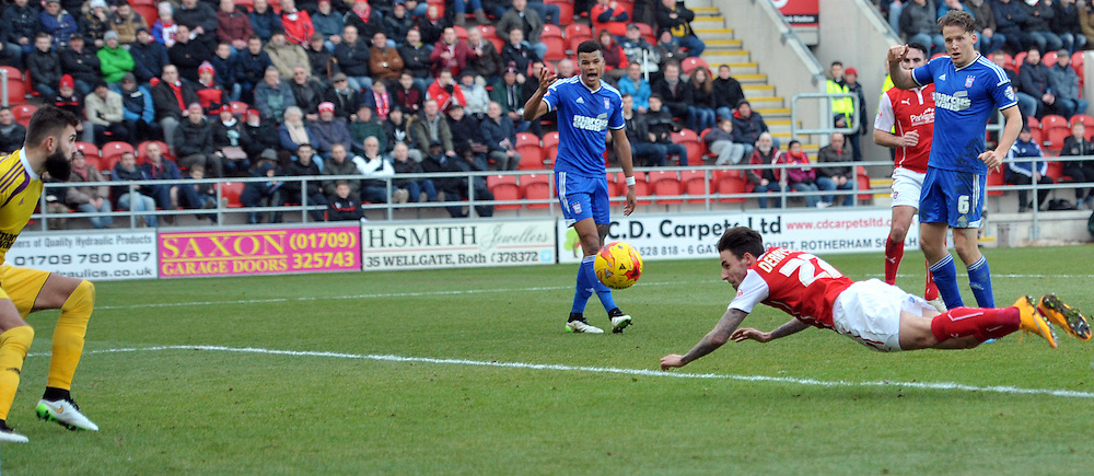 Matt Derbyshire of Rotherham United heads home the opening goal against Ipswich Town during the Sky Bet Championship match at the New York Stadium, Rotherham<br /> Picture by Graham Crowther/Focus Images Ltd +44 7763 140036<br /> 07/02/2015