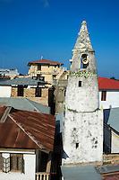 Tanzanie, archipel de Zanzibar, ile de Unguja (Zanzibar), ville de Zanzibar, quartier Stone Town classe patrimoine mondial UNESCO, minaret d une ancienne mosquee // Tanzania, Zanzibar island, Unguja, Stone Town, unesco world heritage, old minar