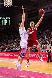 28.03.2016, Telekom Dome, Bonn, GER, Beko Basketball BL, Telekom Baskets Bonn vs FC Bayern Muenchen, 23. Runde, im Bild Anton Gavel (FC Bayern Muenchen #25) beim Korbleger gegen Tadas Klimavicius (Telekom Baskets Bonn #11) // during the Beko Basketball Bundes league 23th round match between Telekom Baskets Bonn and FC Bayern Munich at the Telekom Dome in Bonn, Germany on 2016/03/28. EXPA Pictures © 2016, PhotoCredit: EXPA/ Eibner-Pressefoto/ Schüler<br /> <br /> *****ATTENTION - OUT of GER*****