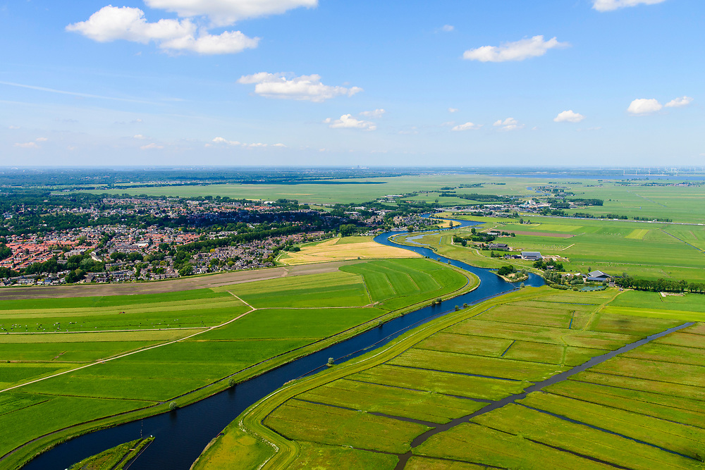 Nederland, Utrecht, Amersfoort, 29-05-2019; veenweide landschap tussen Soest em Amersfoort met weilanden en rivier de Eem.<br /> Small river Eem in rural area.<br /> <br /> luchtfoto (toeslag op standard tarieven);<br /> aerial photo (additional fee required);<br /> copyright foto/photo Siebe Swart
