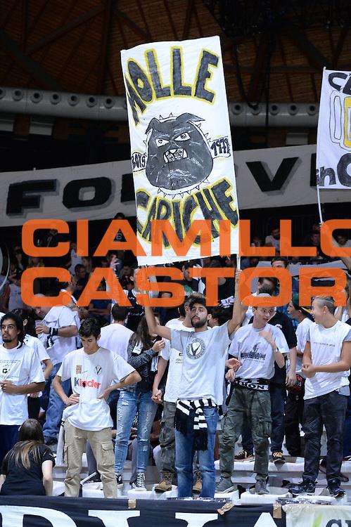 DESCRIZIONE : Bologna Lega A 2015-16 <br /> Obiettivo Lavoro Virtus Bologna Umana Reyer Venezia<br /> GIOCATORE : Ultras Tifosi Spettatori Pubblico Obiettivo Lavoro Virtus Bologna<br /> CATEGORIA : Ultras Tifosi Spettatori Pubblico<br /> SQUADRA : Obiettivo Lavoro Virtus Bologna<br /> EVENTO : <br /> GARA : Obiettivo Lavoro Virtus Bologna Umana Reyer Venezia <br /> DATA : 04 Ottobre 2015<br /> SPORT : Pallacanestro<br /> AUTORE : Agenzia Ciamillo-Castoria/M.Longo<br /> Galleria : Lega Basket A 2015-2016<br /> Fotonotizia : <br /> Predefinita :