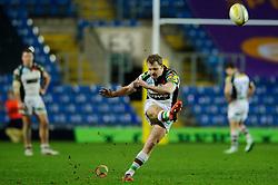 Harlequins Fly-Half (#10) Nick Evans kicks a Penalty during the second half of the match - Photo mandatory by-line: Rogan Thomson/JMP - Tel: Mobile: 07966 386802 06/01/2013 - SPORT - RUGBY - Kassam Stadium - Oxford. London Welsh v Harlequins - Aviva Premiership.