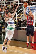 DESCRIZIONE : Avellino Lega A 2011-12 Sidigas Avellino Angelico Biella<br /> GIOCATORE : Massimo Chessa<br /> SQUADRA : Angelico Biella<br /> EVENTO : Campionato Lega A 2011-2012<br /> GARA : Sidigas Avellino Angelico Biella<br /> DATA : 25/03/2012<br /> CATEGORIA : tiro three points shot<br /> SPORT : Pallacanestro<br /> AUTORE : Agenzia Ciamillo-Castoria/A.De Lise<br /> Galleria : Lega Basket A 2011-2012<br /> Fotonotizia : Avellino Lega A 2011-12 Sidigas Avellino Angelico Biella<br /> Predefinita :