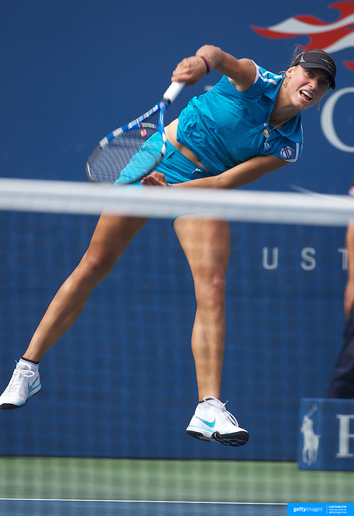 Yanina Wickmayer, Belgium, in action against Kateryna Bondarenko, Ukraine, during the US Open Tennis Tournament at Flushing Meadows, New York, USA, on Wednesday, September 9, 2009. Photo Tim Clayton.