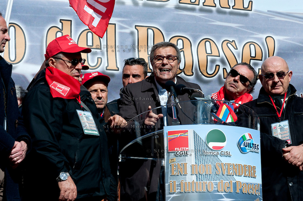 The intervention of Emilio Miceli, general secretary FILCTEM-CGIL during  the demonstration to protest against the sell of Versalis, its synthetic rubber and chemicals company, in Rome, Italy. 19th Febraury 2016. The Italian energy and petrochemicals firm Eni is talking with investment fund SK Capital over the sale of a majority stake in its chemical unit. SK Capital is a private investment firm with a disciplined focus on the specialty materials, chemicals and healthcare sectors, headquartered in New York City.