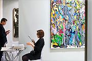 Nederland, Maastricht, 16-3-2016Tefaf, The European Fine Art Fair in het MECC. Dit is de grootste kunstbeurs in Europa en ter wereld. 29e editie. Op de foto medewerkers van een galerie.Foto: Flip Franssen