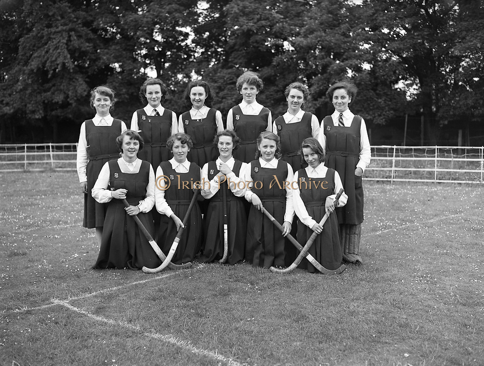 14/06/1952<br /> 06/14/1952<br /> 14 June 1952<br /> St. Mary's Dominican Convent, Donnybrook, Hockey Team.