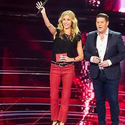 NLD/Hilversum/20180209 - 3e Liveshows The voice of Holland 2018, Martijn Krabbe en Wendy van Dijk