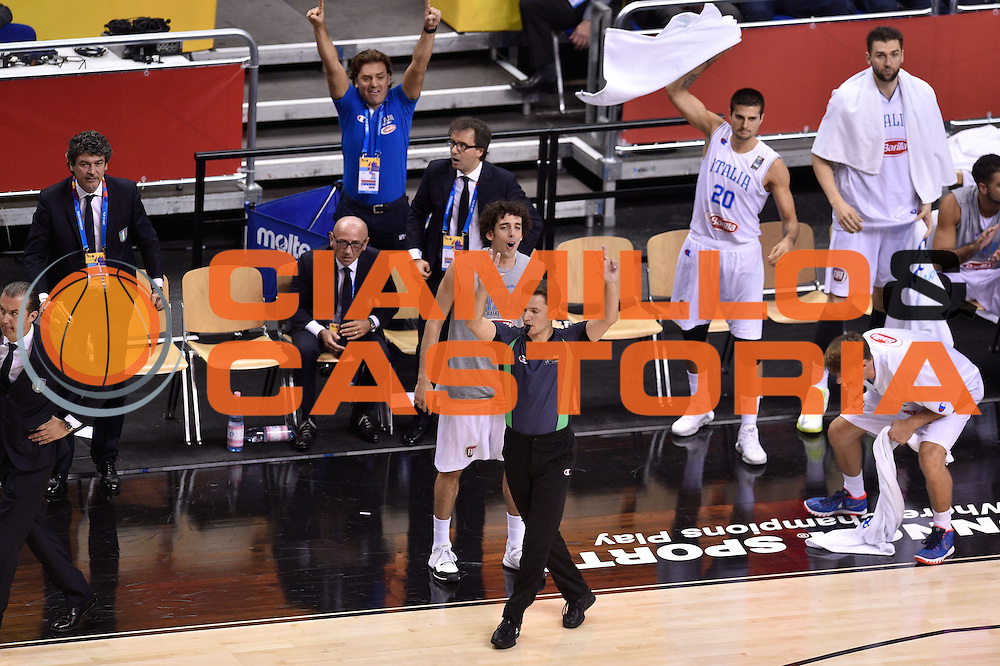 DESCRIZIONE : Berlino Berlin Eurobasket 2015 Group B Turkey Italy<br /> GIOCATORE : Amedeo Della Valle<br /> CATEGORIA : esultanza<br /> SQUADRA : Turkey Italy<br /> EVENTO : Eurobasket 2015 Group B <br /> GARA : Turkey Italy<br /> DATA : 05/09/2015 <br /> SPORT : Pallacanestro <br /> AUTORE : Agenzia Ciamillo-Castoria/Giulio Ciamillo <br /> Galleria : Eurobasket 2015 <br /> Fotonotizia : Berlino Berlin Eurobasket 2015 Group B Turkey Italy