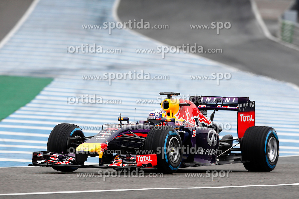Motorsports: FIA Formula One World Championship 2014, Tests in Jerez de la Frontera, Daniel Ricciardo (AUS, Infiniti Red Bull Racing) *** Local Caption *** © pixathlon