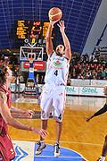 DESCRIZIONE : Venezia Lega A2 2009-10 Umana Reyer Venezia Riviera Solare Rimini<br /> GIOCATORE : German Scarone<br /> SQUADRA : Riviera Solare Rimini <br /> EVENTO : Campionato Lega A2 2009-2010<br /> GARA : Umana Reyer Venezia Riviera Solare Rimini<br /> DATA : 09/12/2009<br /> CATEGORIA : Tiro<br /> SPORT : Pallacanestro <br /> AUTORE : Agenzia Ciamillo-Castoria/M.Gregolin<br /> Galleria : Lega Basket A2 2009-2010 <br /> Fotonotizia : Venezia Campionato Italiano Lega A2 2009-2010 Umana Reyer Venezia Riviera Solare Rimini<br /> Predefinita :