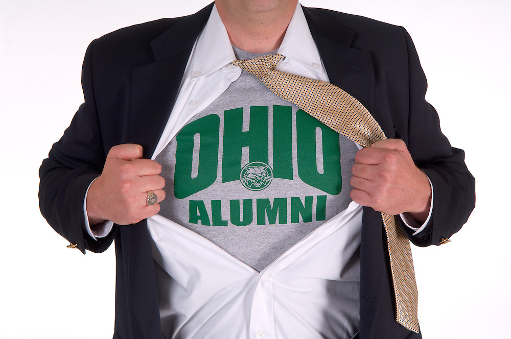 18283Ohio Alumni ?Superman? pose T-Shirt with Sport Jacket