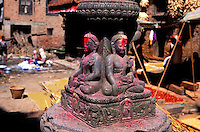 Nepal - Vallée de Kathmandu - Village de Bungamati - Chörten ou stupa avec Bouddha
