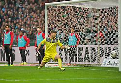 15.03.2014, Weserstadion, Bremen, GER, 1. FBL, SV Werder Bremen vs VfB Stuttgart, 25. Runde, im Bild Sven Ulreich (VfB Stuttgart #1) kann dem Ball, geschossen per Freistoss von Aaron Hunt (Bremen #14), nur noch hinterher schauen // Sven Ulreich (VfB Stuttgart #1) kann dem Ball, geschossen per Freistoss von Aaron Hunt (Bremen #14), nur noch hinterher schauen during the German Bundesliga 25th round match between SV Werder Bremen and VfB Stuttgart at the Weserstadion in Bremen, Germany on 2014/03/16. EXPA Pictures © 2014, PhotoCredit: EXPA/ Andreas Gumz<br /> <br /> *****ATTENTION - OUT of GER*****