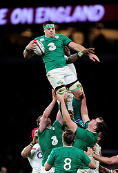 CJ Stander of Ireland wins the ball at a lineout - Mandatory byline: Patrick Khachfe/JMP - 07966 386802 - 27/02/2016 - RUGBY UNION - Twickenham Stadium - London, England - England v Ireland - RBS Six Nations.