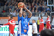 DESCRIZIONE : Cantù Lega A 2014-15  Acqua Vitasnella Cantù vs Openjobmetis Varese<br /> GIOCATORE : Jones DeQuan <br /> CATEGORIA : Pregame riscaldamento<br /> SQUADRA : Acqua Vitasnella Cantù<br /> EVENTO : Campionato Lega A 2014-2015<br /> GARA : Acqua Vitasnella Cantù vs Openjobmetis Varese<br /> DATA : 26/01/2015<br /> SPORT : Pallacanestro <br /> AUTORE : Agenzia Ciamillo-Castoria/I.Mancini<br /> Galleria : Lega Basket A 2014-2015  <br /> Fotonotizia : Cantù Lega A 2014-2015 Pallacanestro : Acqua Vitasnella Cantù vs Openjobmetis Varese<br /> Predefinita :