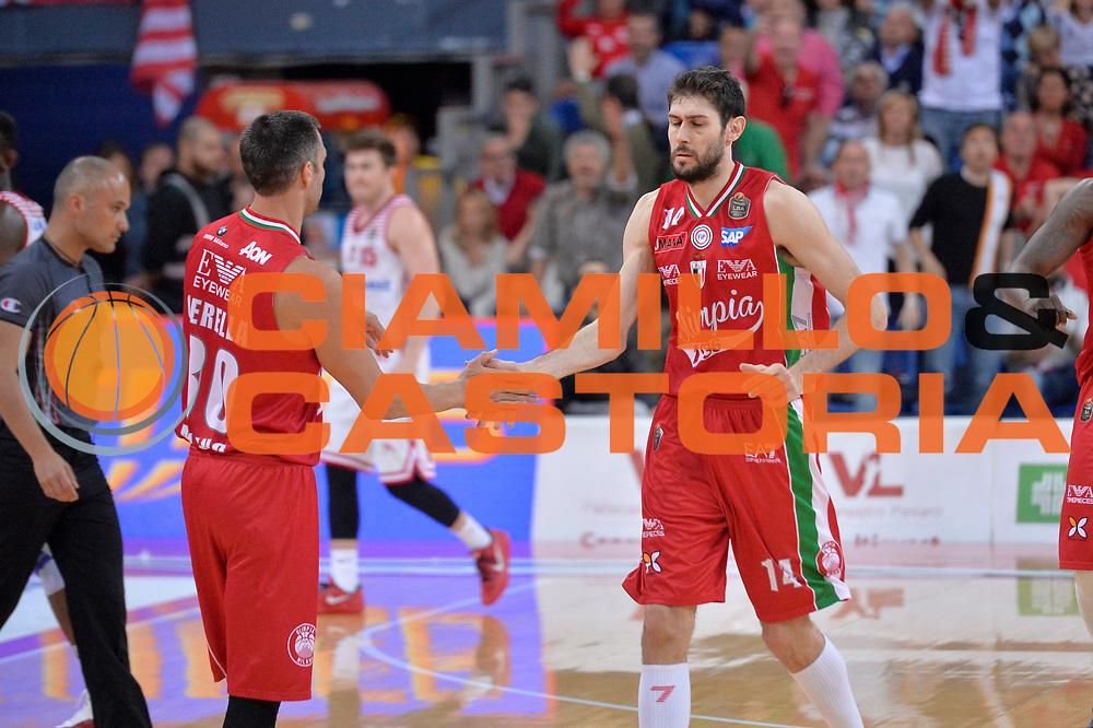 Davide Pascolo, Bruno Cerella<br /> Consultinvest Victoria Libertas Pesaro - EA7 Emporio Armani Olimpia MIlano<br /> Lega Basket Serie A 2016/2017<br /> Pesaro, 30/04/2017<br /> Foto M.Ceretti / Ciamillo - Castoria