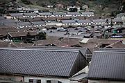 Potenza (PZ), 23-11-2010 ITALY - Il quartiere Bucaletto. Bucaletto è un quartiere popolare della periferia est di Potenza. Fu progettato all'indomani del terremoto dell'Irpinia del 23 novembre 1980, per risolvere i problemi delle famiglie sfollate a causa dei crolli di alcune abitazioni della città, difatti è caratterizzato dalla presenza di abitazioni singole, in prefabbricati..Nella Foto: I moduli abitativi del quartiere..