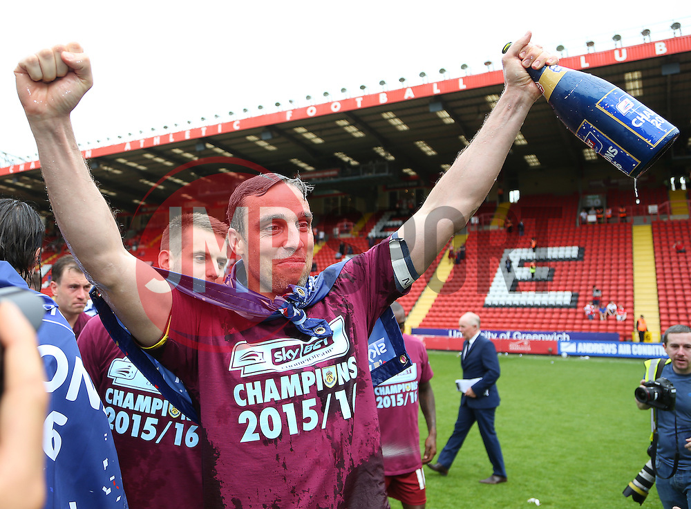 Michael Duff of Burnley celebrates after his side win the Championship - Mandatory by-line: Paul Terry/JMP - 07/05/2016 - FOOTBALL - The Valley - London, England - Charlton Athletic v Burnley - Sky Bet Championship