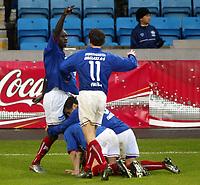 Fotball, 29. mai 2003, Tippeligaen, Vålerenga-Molde 2-0, Pa-Modou Kah, Vålerenga, og Stian Ohr og Freddy dos Santos, Vålerenga