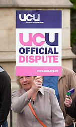 © Licensed to London News Pictures.25/05/2016. Bristol, UK.  University lecturers in the UCU trade union go on strike over pay. Photo credit : Simon Chapman/LNP