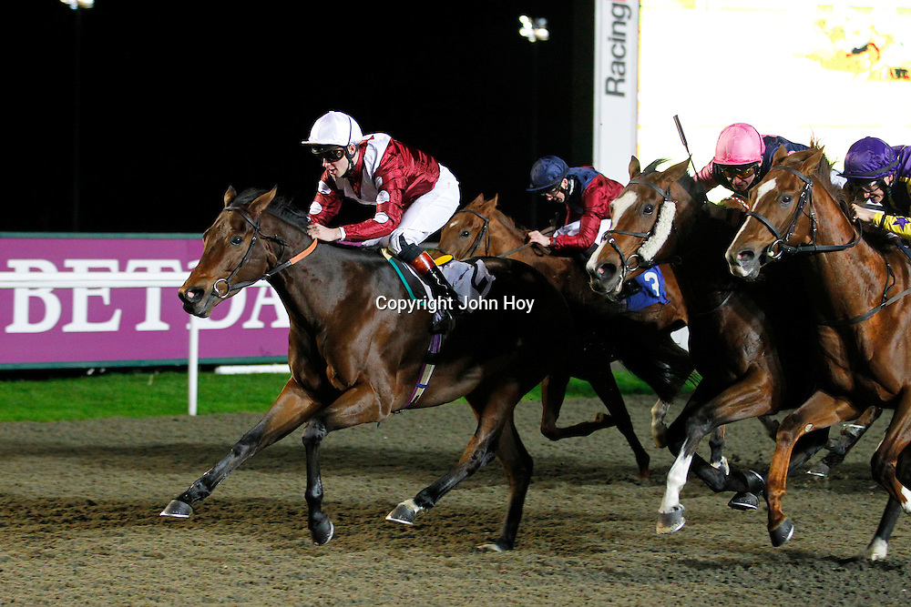 Cape Samba and Thomas Brown winning the 7.50 race