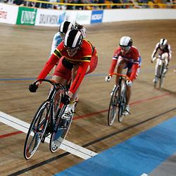 Elis Ligtlee wint de keirin titel bij de vrouwen in Apeldoorn
