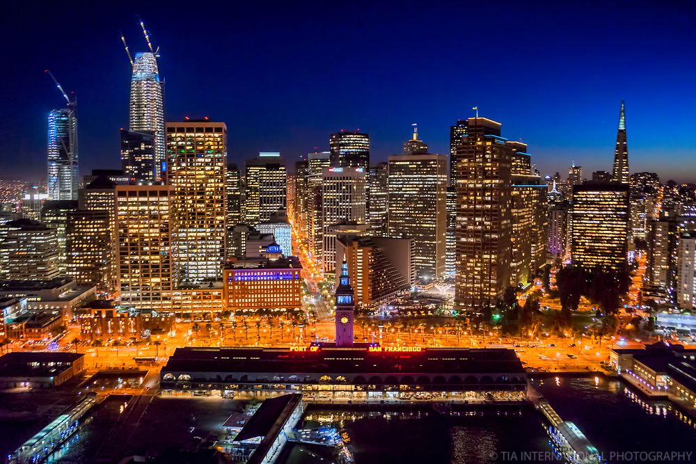 Ferry Building, Embarcadero & SF Skyline