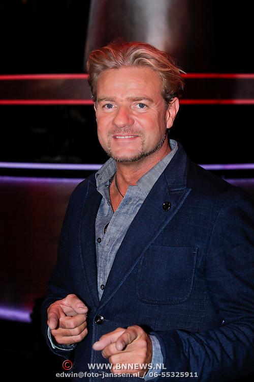 NLD/Hilversum/20111209- The Voice of Holland 2011, 2de live uitzending, Bart Brandjes