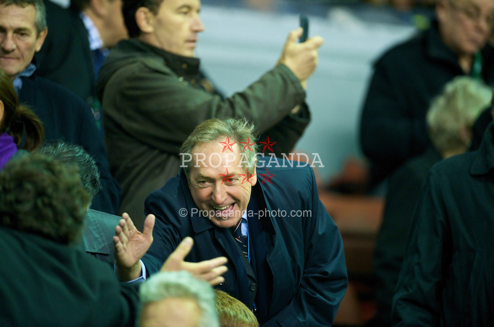 LIVERPOOL, ENGLAND - Tuesday, October 20, 2009: Former Liverpool manager Gerrard Houllier during the UEFA Champions League Group E match against Olympique Lyonnais at Anfield. (Pic by David Rawcliffe/Propaganda)