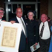 NLD/Amsterdam/19940422 - Feestje verjaardag Paul Wilking op Schiphol, kolonel Boszhard, Bas van Toor en partner Coby