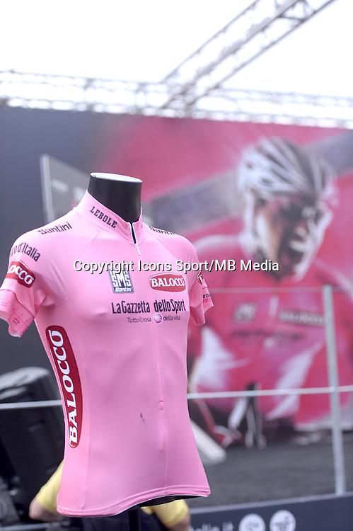 Illustration maillot rose - 31.05.2015 - Tour d'Italie - Etape 21 : Turin / Milan <br />Photo : Sirotti / Icon Sport *** Local Caption ***
