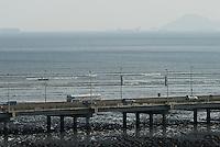 Panamá, 21 de Enero 2010.  Vista del puente del Corredor Sur de la ciudad de Panamá desde el Campanario de la catedral en Panamá Viejo..Foto: Ramon Lepage / Istmophoto..