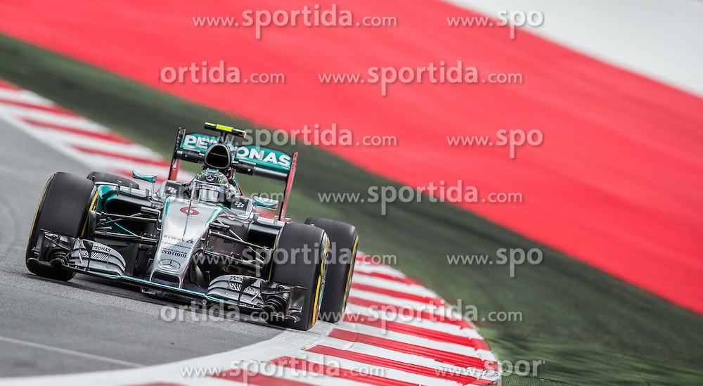 19.06.2015, Red Bull Ring, Spielberg, AUT, FIA, Formel 1, Grosser Preis von Österreich, Training, im Bild Nico Rosberg, (GER, Mercedes AMG Petronas F1 Team) // during the Practice for the Austrian Formula One Grand Prix at the Red Bull Ring in Spielberg, Austria, 2015/06/19, EXPA Pictures © 2015, PhotoCredit: EXPA/ Dominik Angerer