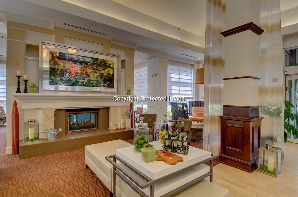 Hilton Garden Inn Norwalk, CT Lobby Seating